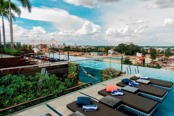 Aquarius Hotel and Urban Resort Пномпень