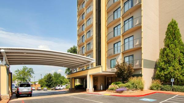 Best Western Plus Atlanta Airport East