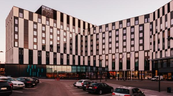 Clarion Hotel Helsinki Airport Вантаа