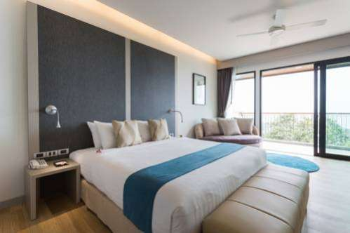 Aonang Cliff Beach Suites & Villas