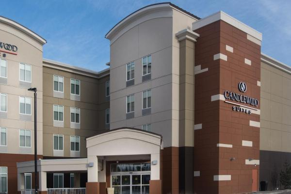 Holiday Inn Express & Suites West Edmonton-Mall Area Edmonton