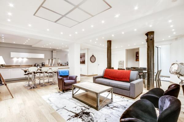 Just Renovated 138m2 On The Seine