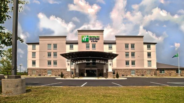 Holiday Inn Express & Suites Evansville North(北埃文斯维尔智选假日套房酒店) Warrenton