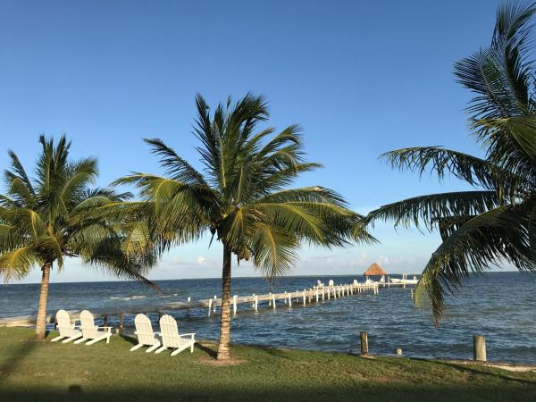 Tilt-TA-Dock Resort Belize Corozal