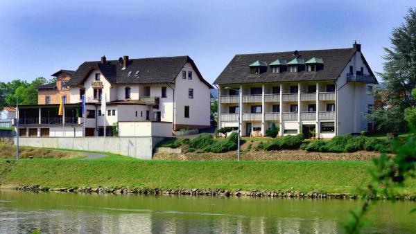 Hotel Straubs Schone Aussicht 3 Klingenberg Am Main Odenwald