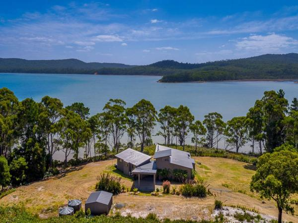 Lagoons Private Waterfront South Bruny