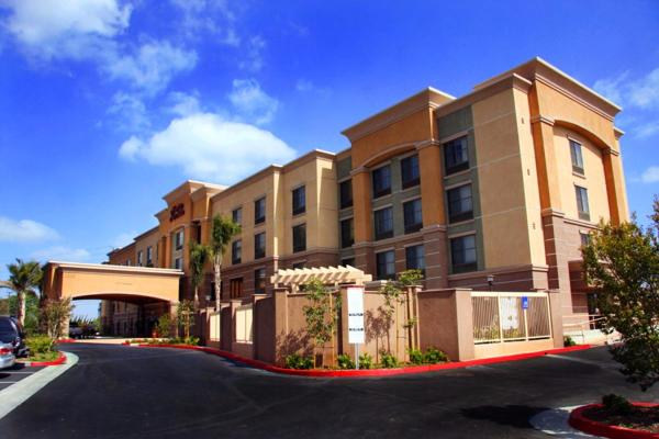 Hampton Inn & Suites Seal Beach Сил-Бич