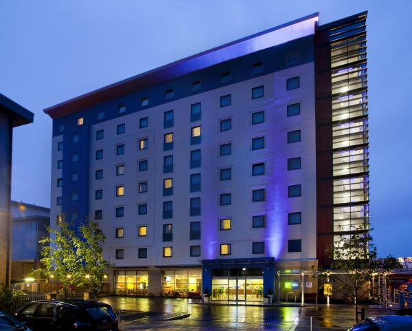 Holiday Inn Express Slough Slough