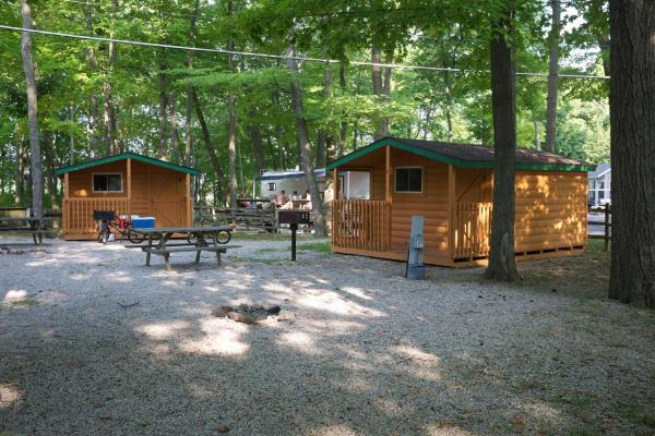 Plymouth Rock Camping Resort One-Bedroom Cabin 2 Elkhart Lake