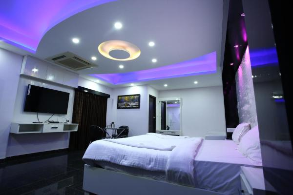 Hotel R R International Gandhi nagar