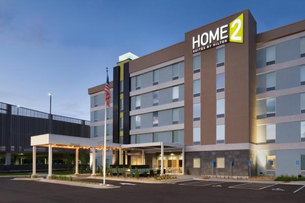 Home 2 Suites by Hilton Roseville Minneapolis
