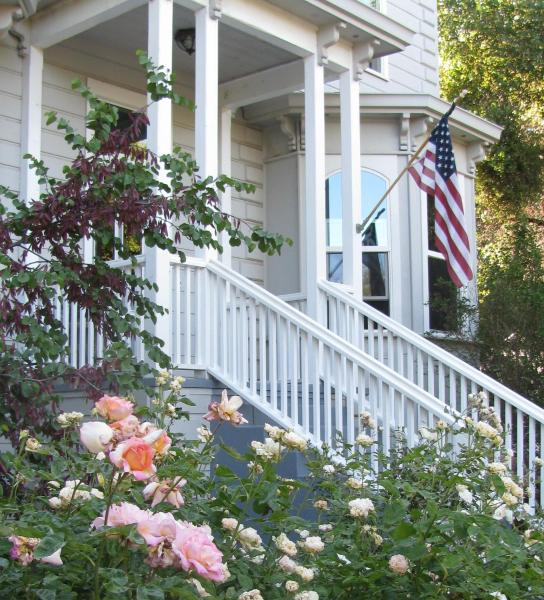Yosemite Rose Bed and Breakfast Groveland