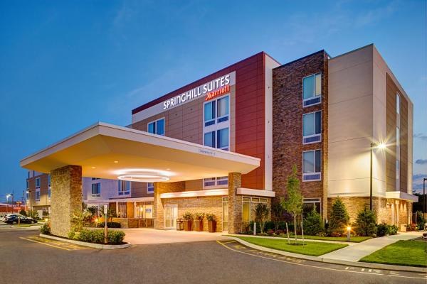 SpringHill Suites by Marriott Carle Place Garden City Carle Place