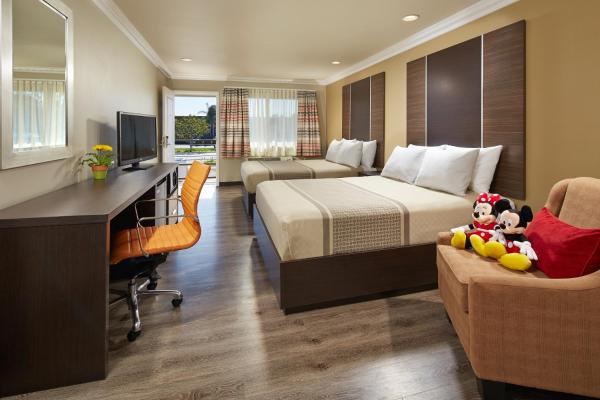 Eden Roc Inn & Suites near the Maingate Anaheim