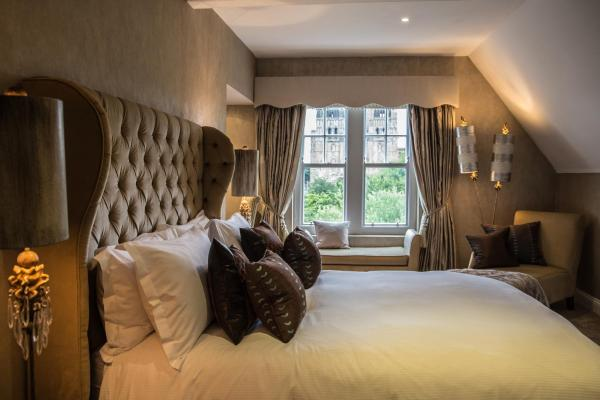 Forty Winks Guest House & Residence Durham
