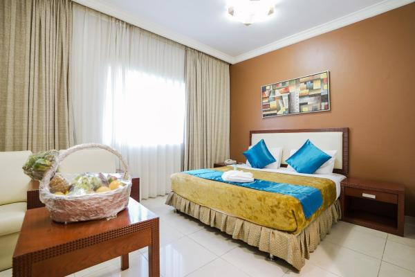 Crystal Plaza Hotel