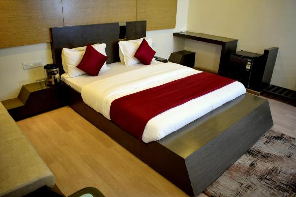 Hotel Sunrise Palace By Sky Stays Ranpur
