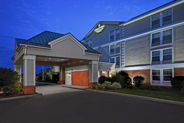 Country Inn & Suites by Radisson, Rochester Airport-University Area, NY Rochester