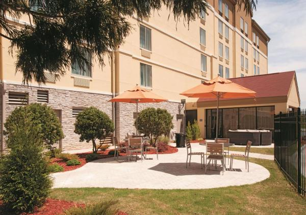 La Quinta Inn & Suites Atlanta Airport North Atlanta