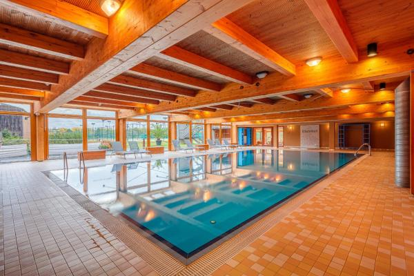 Park Holiday Congress & Wellness Hotel Прага