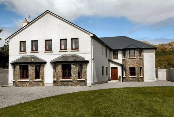 All the Twos Lodge Clifden
