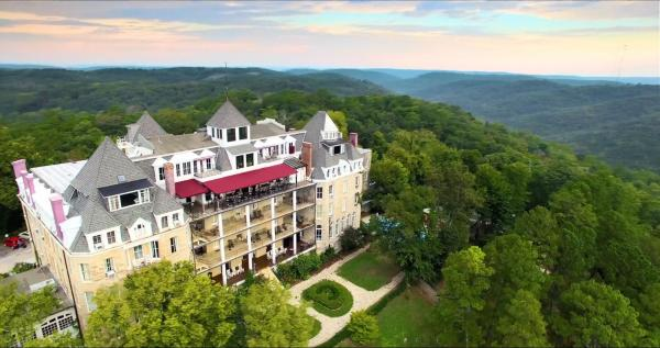 1886 Crescent Hotel and Spa Eureka Springs