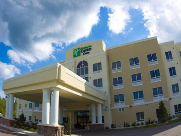Holiday Inn Express & Suites Havelock Northwest New Bern Havelock