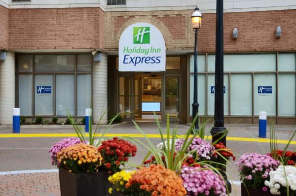 Holiday Inn Express Toronto Downtown(多伦多市中心快捷假日酒店) 多伦多