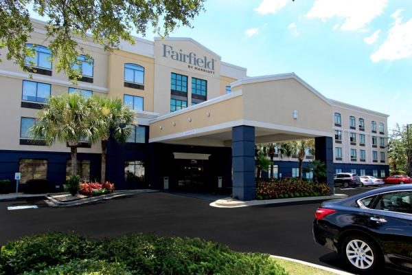 Fairfield Inn & Suites by Marriott Charleston Airport/Convention Center North Charleston