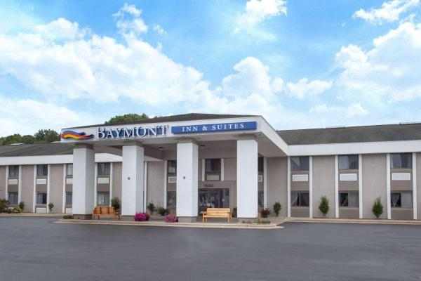 Baymont Inn & Suites Grand Haven Grand Haven