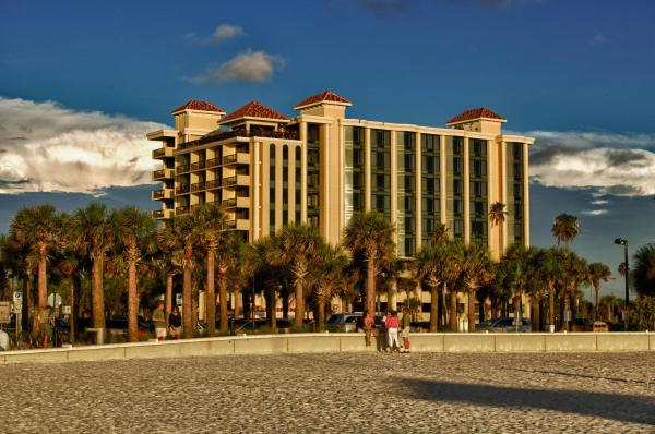 Pier House 60 Marina Hotel Clearwater Beach
