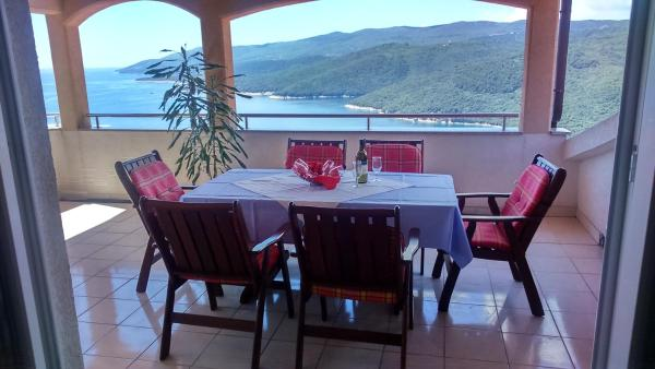 Apartments Silmare Rabac