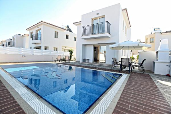 Palm Village Villas Protaras