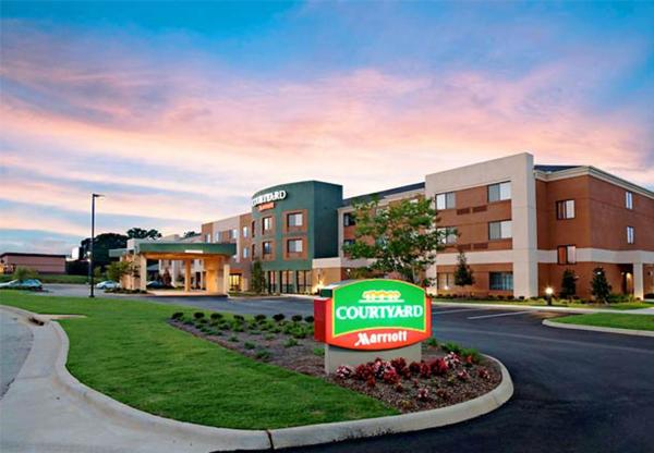 Courtyard by Marriott Troy Troy