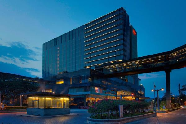 Sheraton Grand Bangalore Hotel at Brigade Gateway Bangalore