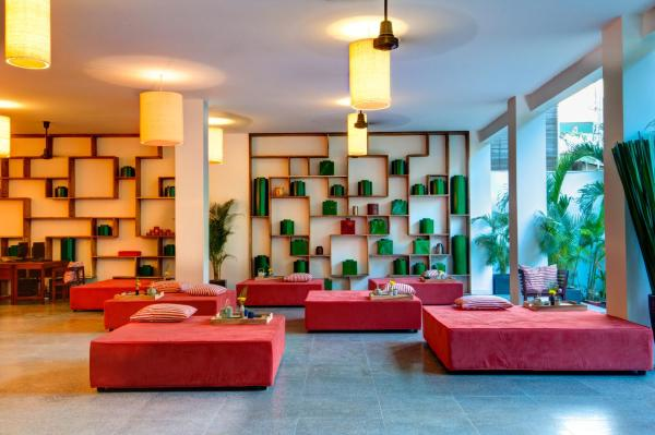 TeaHouse Asian Urban Hotel Пномпень