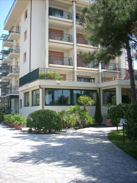 Die 15 Besten Hotels in Lido di Camaiore. Buchen Sie günstige Hotels ...