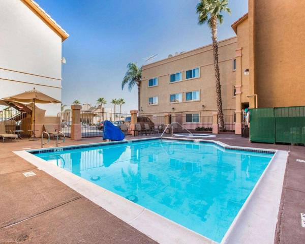 Comfort Inn Moreno Valley near March Air Reserve Base / Comfort Inn Moreno Valley