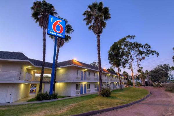 Hotels near MCAS Miramar Airport (NKX)  Book hotel now!