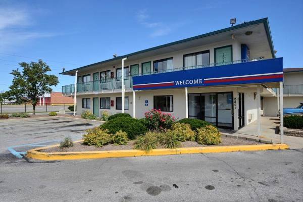 Motel 6 Indianapolis East