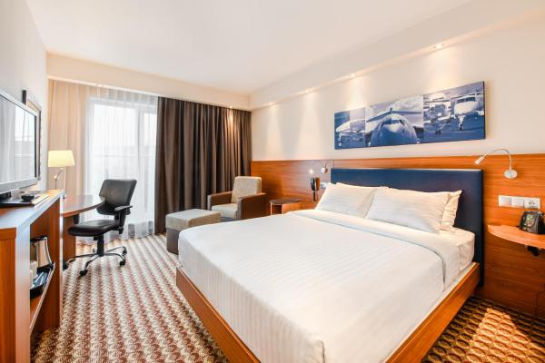 Hampton by Hilton Warsaw Airport Влохи