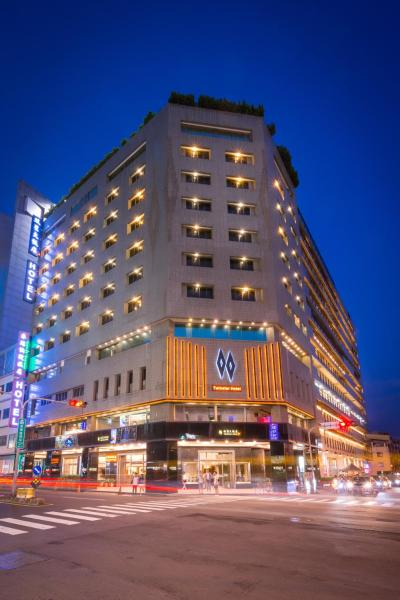 Twinstar Hotel East District