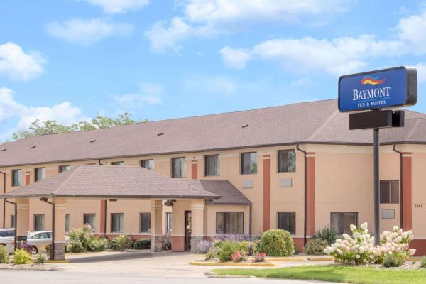 Baymont Inn & Suites - Waterloo Waterloo