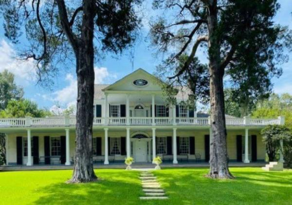 Linden - A Historic Antebellum Bed and Breakfast 纳奇兹
