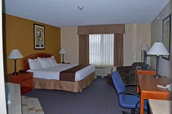 Paola Inn and Suites Paola