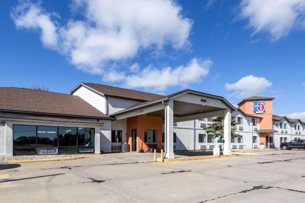 Motel 6 Waterloo Waterloo