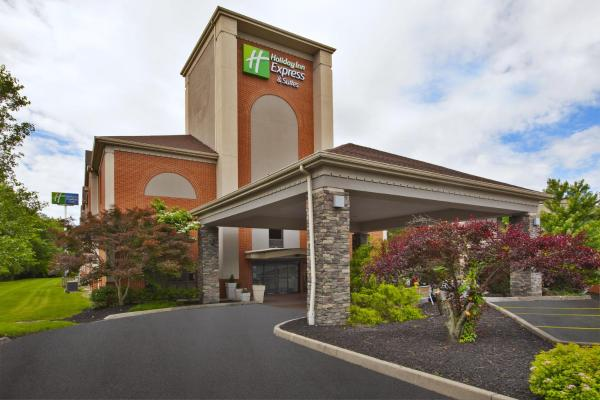Holiday Inn Express Hotel & Suites Cincinnati Northeast-Milford Milford