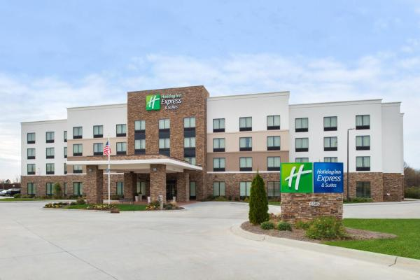 Holiday Inn Express & Suites Monroe Monroe