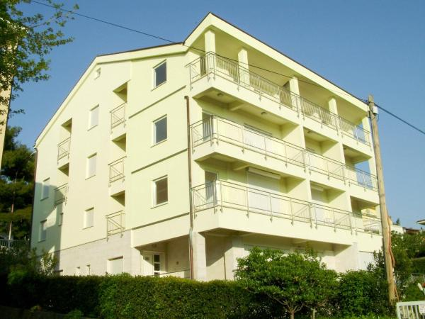 Apartments Petricevic Selce