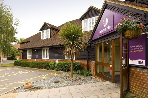 Premier Inn Woking West - A324 Woking